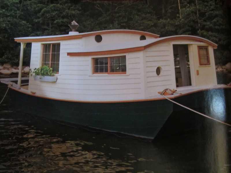 woodenboat5shantyboatderekdeekdiedricksenhumblehomessimpleshacksmalltinyhouse.jpg